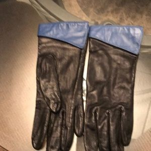 Leather gloves black with royal blue trim